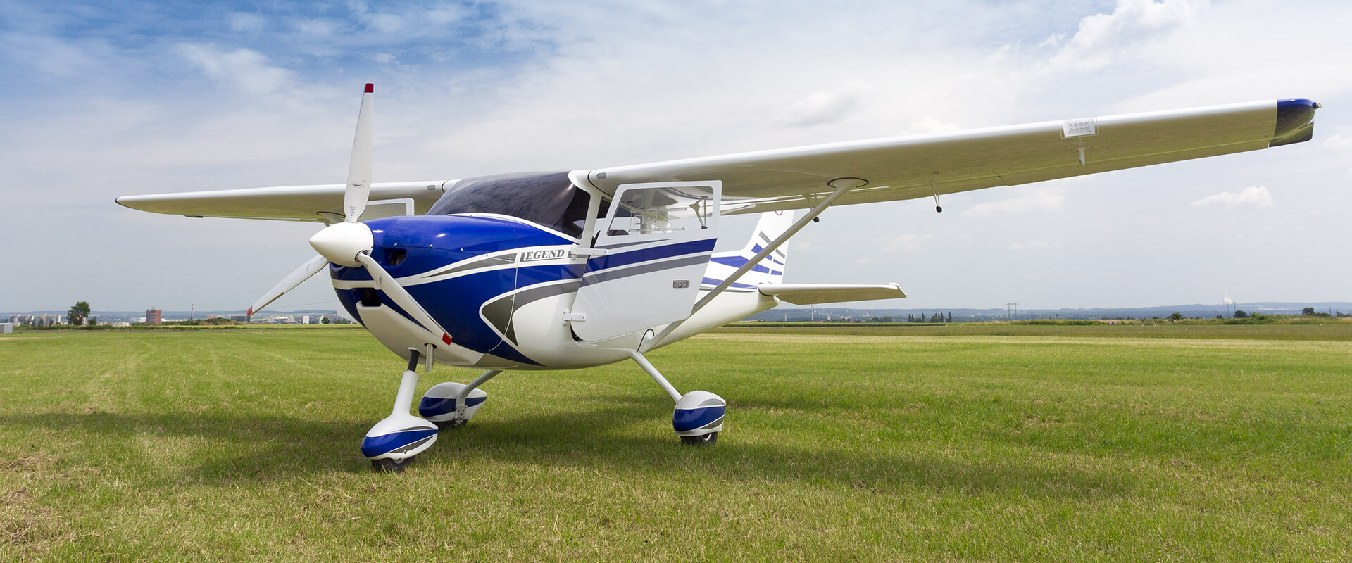 Light sport LEGEND 600 aircraft (LSA) - Maximum Take Off Weight: 600 kg